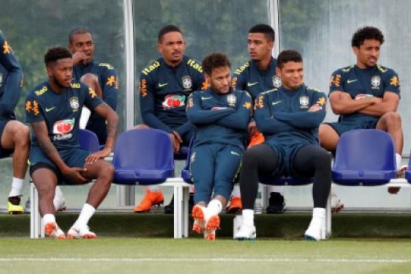 """Piala Dunia - Pelatih Swiss Tidak Tertarik Bermain """"Cantik"""" Hadapi Brazil"""