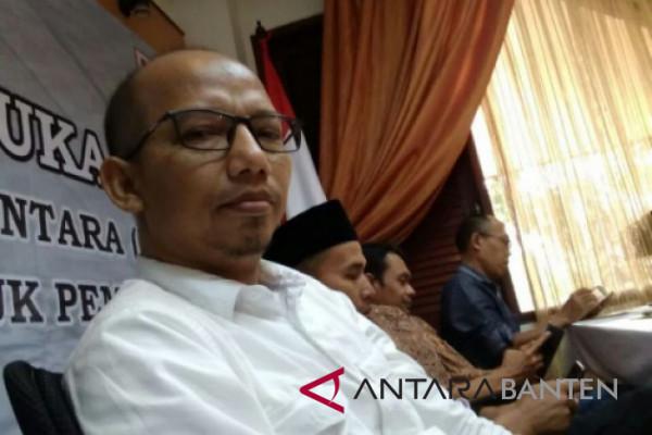 13 Orang Calon DPD Daftar Ke KPU Banten