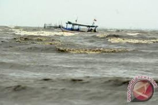 BMKG: Gelombang Selatan Banten Berpotensi 6 Meter