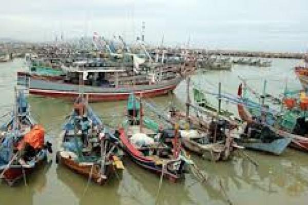 Nelayan Tradisional Pesisir Selatan Lebak Menganggur