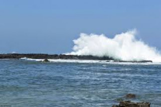 BPBD Keluarkan Larangan Wisatawan Berenang Di Pantai Selatan