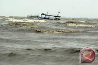 BMKG Gelombang Selatan Banten Berpotensi 6 Meter
