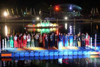 Video Mapping dan Pesta Kembang Api Semarakan Pembukaan Festival Cisadane 2018