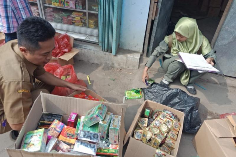 BPOM Serang Sita Ribuan Kemasan Jamu Tanpa Izin Edar