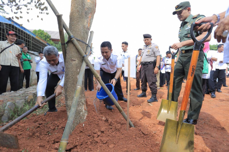 Wali Murid Diminta Bawa Satu Pohon Saat Ambil Raport