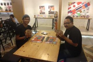 Permainan kartu asal Jepang diperkenalkan di Indonesia