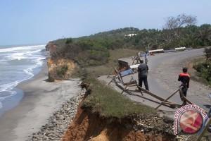 Mukomuko Siagakan Relawan Di Jalinsum Rawan Longsor