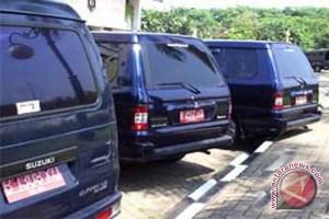 LSM pertanyakan pengadaan mobil dinas  Rp7,5 miliar