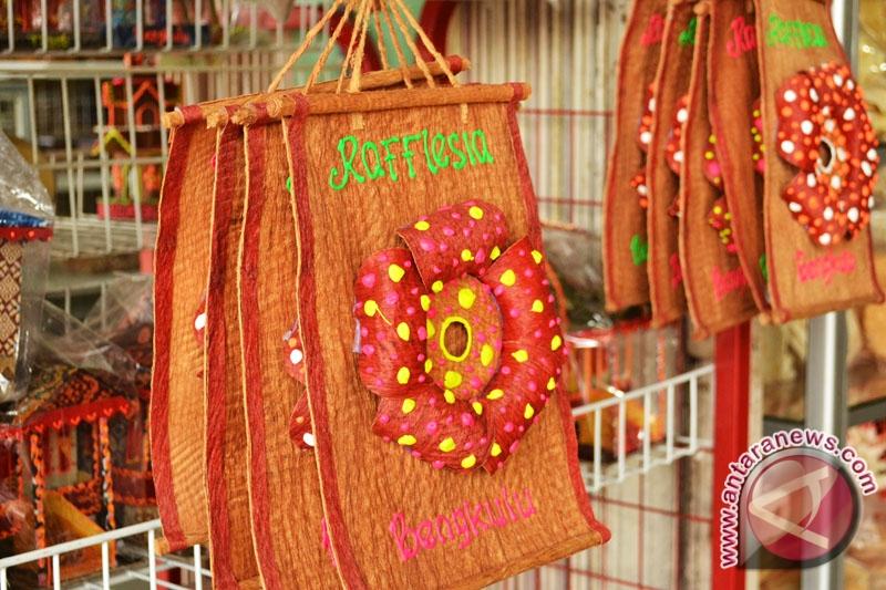 Bengkulu Andalkan Kulit Lantung Di Pameran Kriyanusa