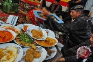 """Tradisi """"Njamu"""" Saat Idul Fitri di Bengkulu"""