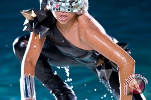 Operasi pinggul, Lady Gaga batalkan sisa tur