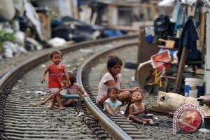 Bebaskan Indonesia dari kemiskinan masih panjang