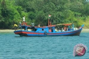 Nelayan pun Jadi Ojek Perahu Layani Wisatawan