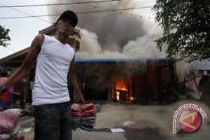Pasar Padangpanjang ludes terbakar