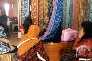 Karnaval Batik belum pengaruhi penjualan kain besurek