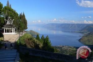 Luhut: pencemaran Danau Toba luar biasa