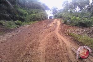 Bupati diminta prioritaskan bangun jalan desa terpencil