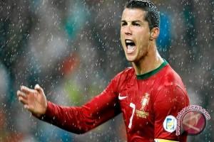 Ronaldo cetak dua gol saat Portugal taklukkan Latvia