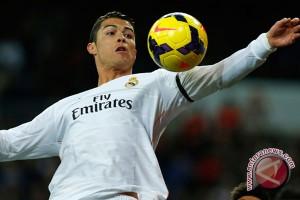 Ronaldo dan Messi kembali bersaing perebutkan Ballon d'Or