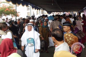 Bengkulu tunggu keputusan biaya haji 2015