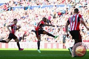 Gol Defoe bantu Sunderland taklukkan Newcastle