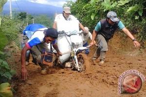Petani Bengkulu desak pemerintah bangun jalan tani