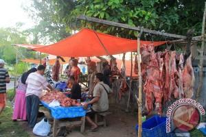 Bulog Distribusikan Daging Murah Ke Rejang Lebong