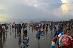 Pengunjung Pantai Ujung Pandaran Capai 60.000 Orang