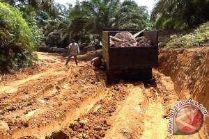 Mukomuko bangun jalan produksi perkebunan