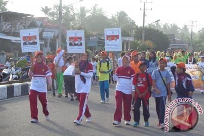 Ribuan warga Mukomuko ikuti jalan sehat pilkada