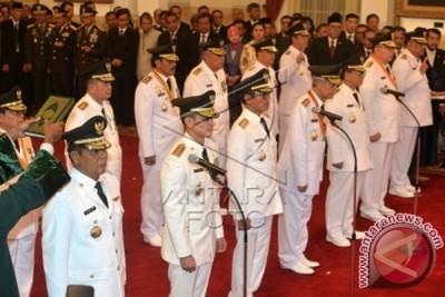 Presiden lantik tujuh kepala daerah Pilkada serentak