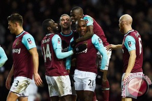 Payet teken kontrak baru dengan West Ham