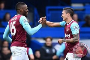West Ham rekrut Lanzini dengan kesepakatan permanen