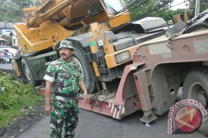 Arus jalan Kepahiang-Curup Bengkulu lumpuh total