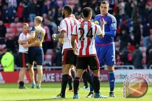 Tahan imbang Arsenal, Sunderland lolos zona degradasi
