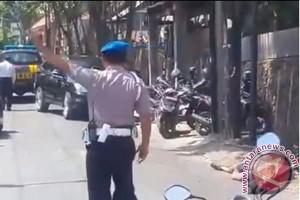 Tim Forensik visum jenazah polisi tewas ditusuk Amokrane