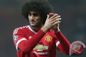 Manchester United Perpanjang Kontrak Fellaini