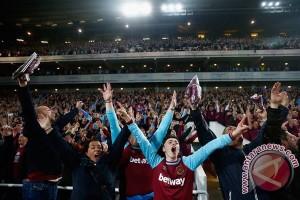 West Ham skorsing seumur hidup penggemar yang rusuh