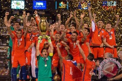 Chile pertahankan gelar lewat adu pinalti