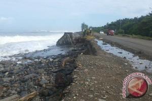 47 kilometer pesisir Bengkulu kritis