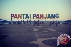 Wisatawan Keluhkan Sampah Pantai Bengkulu