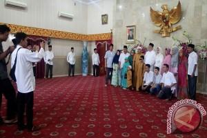 Gubernur Bengkulu Sajikan Jajanan Tradisional