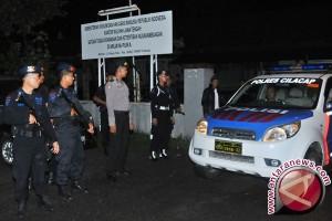 Polisi mulai barikade pintu akses Dermaga Wijayapura