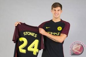 City rekrut Stones dari Everton