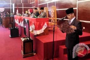 Walikota-DPRD Tandatangani MoU KUPA dan PPAS Perubahan APBD 2016
