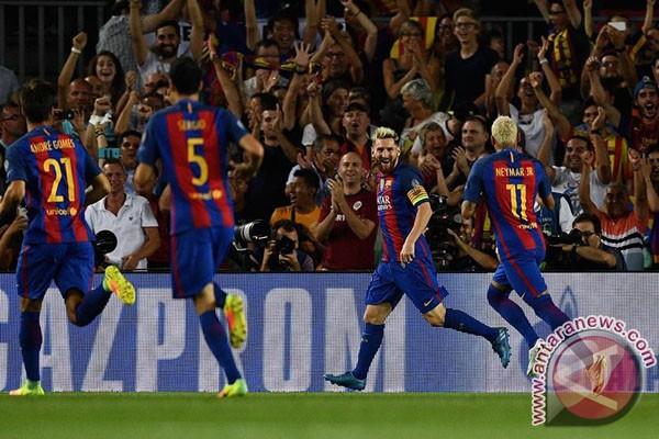 Barca Taklukkan Real, Messi Cetak Dua Gol