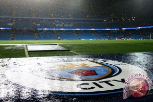 Hujan deras, Manchester City vs Monchengladbach ditunda