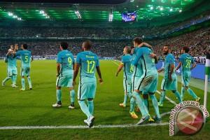 Tertinggal babak pertama, Barca taklukkan Monchengladbach 2-1
