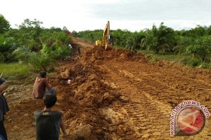 Dinas Pertanian Mukomuko Rehabilitasi Jalan Tani Rusak