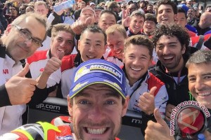 Crutchlow juarai Grand Prix Australia
